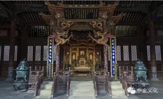 崇政殿皇帝宝座周围的景泰蓝制品